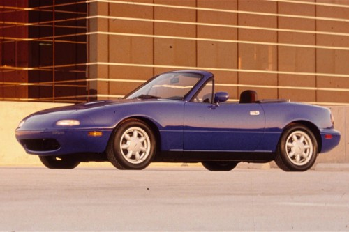 1990-Mazda-MX-5-Miata-front-three-quarters-view