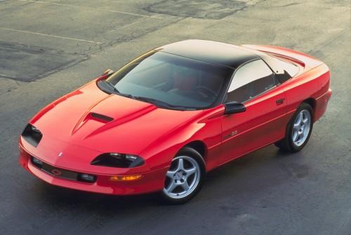 در سال 1996 یکی از کمیاب ترین کاماروهای نسل چهارم عرضه شد؛ درحالیکه SS (که بعد از 1972 دیگر آنرا ندیدیم) با انجین LT1 عرضه می شد اما شورولت تعداد محدودی SS را با انجین 340 اسبی LT4 ساخت. همچنین در این سال پکیج RS (که آنرا هم بعد از 1992 ندیده بودیم) نیز دوباره برگشت.