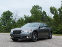 2012 Chrysler 300S (1)