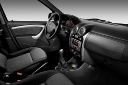 2012-Renault-Logan-facelift-Dashboard