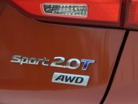 2014-Santa-Fe-Sport-rear-badges
