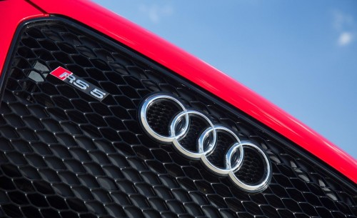 2013-audi-rs5-badges-and-grille-photo-479308-s-1280x782