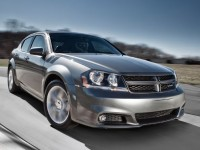 2013-dodge-avenger-front-view-in-motion-02