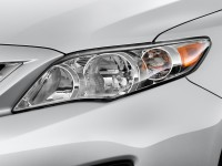 2013-toyota-corolla-4-door-sedan-auto-le-natl-headlight