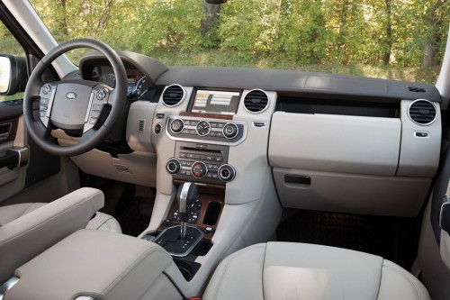 2013 Land-Rover LR4 Interior