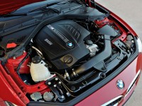 2014-BMW-2-Series-Coupe-engine