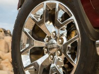 2014-GMC-Sierra-1500-front-wheel