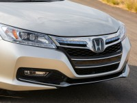 2014-Honda-Accord-PHEV-front-grille