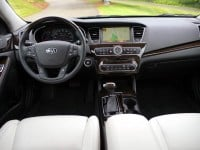 2014-Kia-Cadenza-interior-front-from-rear