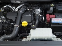 2014-Nissan-Pulsar-engine