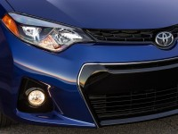 2014-Toyota-Corolla-S-front-grille