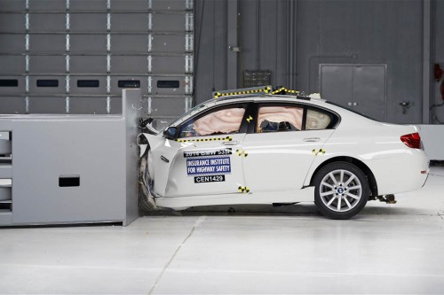 2014 bmw 5-series iihs during testing