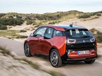 http://www.pedal.ir/wp-content/uploads/2014-bmw-i3-edrive-rear-three-quarters-above-in-motion.jpg
