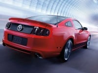 2014-ford-mustang-in-motion-rear