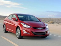 2014-hyundai-elantra-sport-front-right-view