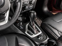 2014-jeep-cherokee-trailhawk-shift-lever