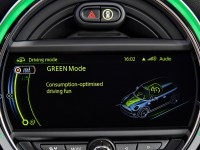 2014-mini-cooper-s-infotainment-display