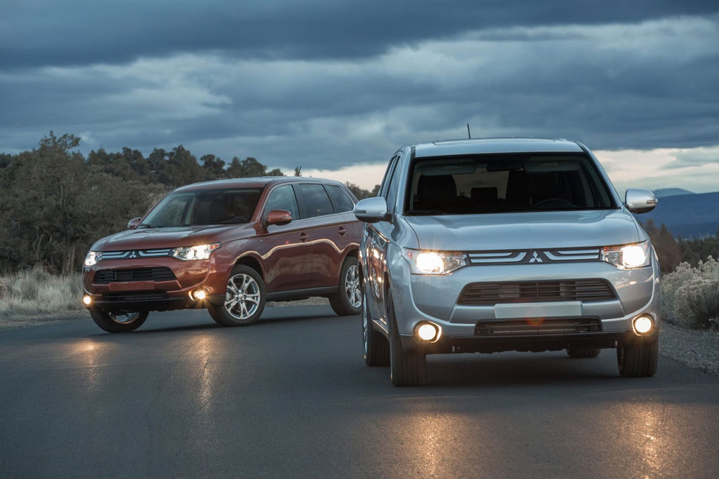 http://www.pedal.ir/wp-content/uploads/2014-mitsubishi-outlander-01.jpg