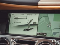 2014-rolls-royce-wraith-infotainment-display