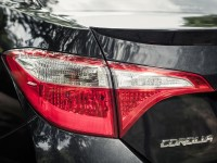 2014-toyota-corolla-s-taillight-and-badge