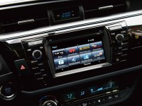 2014_Toyota_Corolla_S_Premium_display