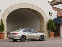 2014_honda_accord_rear