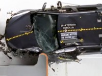 2014_toyota_corolla_crash_test