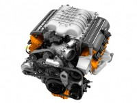2015-Dodge-Charger-SRT-Hellcat-engine