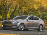 2015-Kia-K900-front-three-quarters