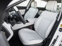 2015-Kia-K900-interior-seats