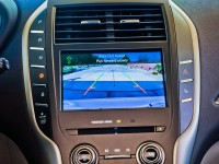 2015-Lincoln-MKC-display