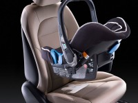 2015-Mercedes-Benz-C-Class-Interior-and-Tech-Child-Seat