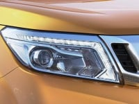 2015 Nissan Navara Pickup headlight
