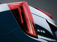 2015-cadillac-xts-rear-taillight