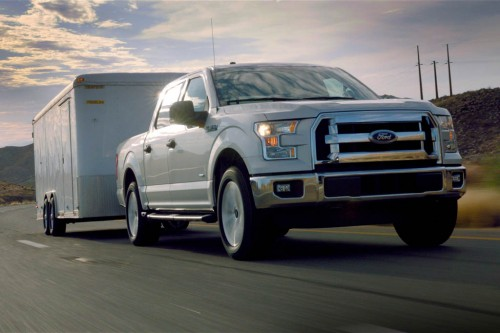 2015-ford-f-150-xlt-towing-view