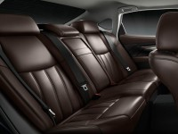 2015-infiniti-q70-interior-side-view-rear-seats