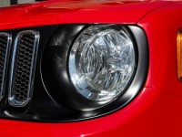 2015-jeep-renegade-latitude-grille-and-headlight