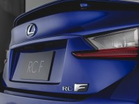 lexus-rc-f-badges-and-taillight