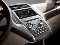 2015-lincoln-mkc-center-stack
