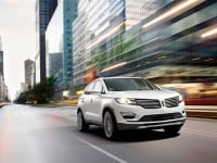 2015-lincoln-mkc-front-side-view-in-the-city