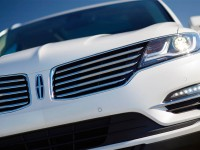 2015-lincoln-mkc-front-view-grille