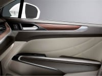 2015-lincoln-mkc-interior-door-panel