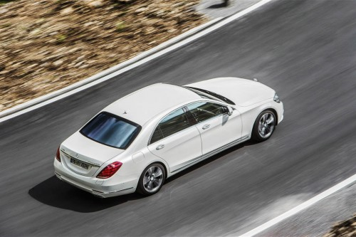 2015-mercedes-benz-s550-plug-in-hybrid-in-motion-front-view