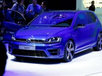 2015-volkswagen-golf-r-photo