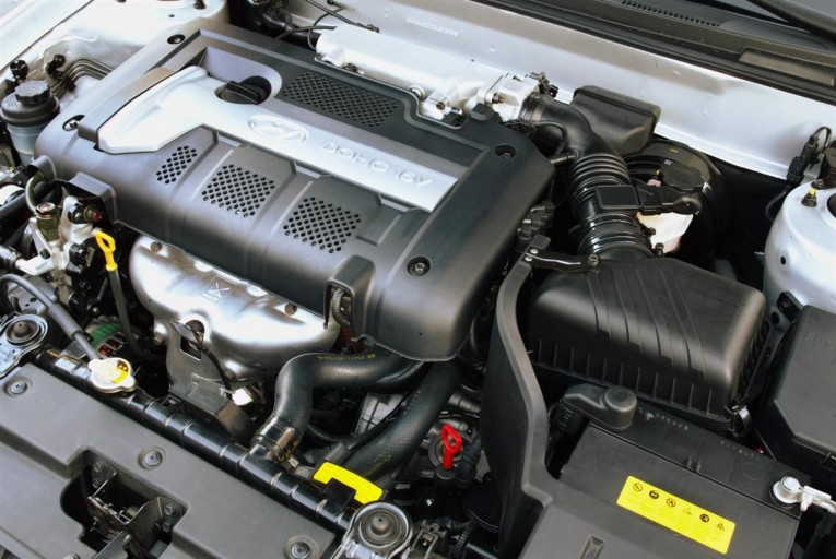 2005 Hyundai Elantra engine