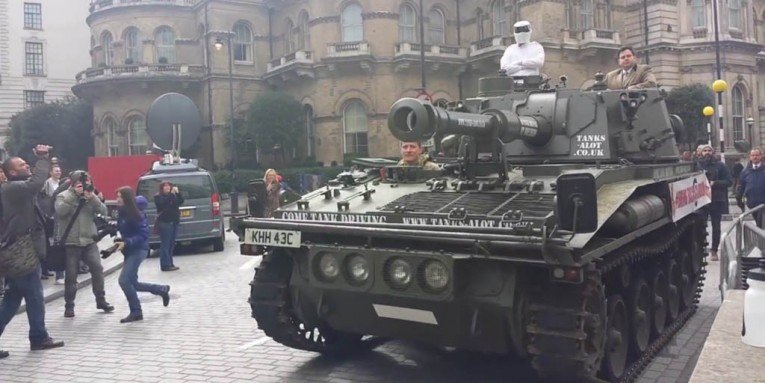 Clarkson petition arrives at BBC with a tank