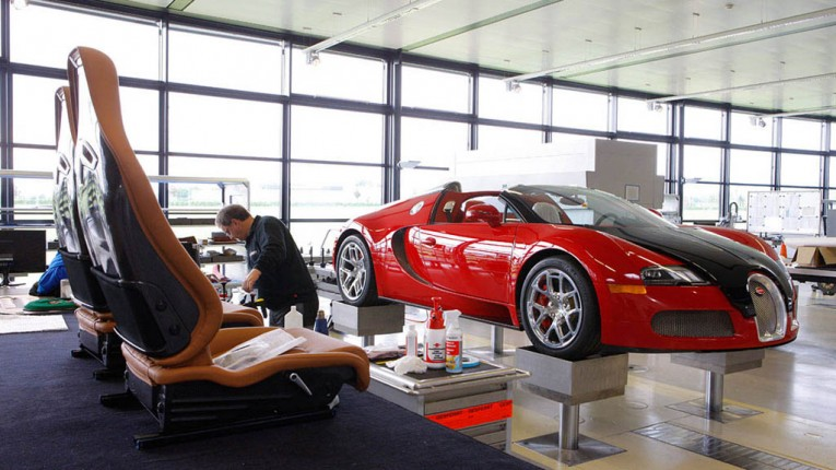 each-veyron-is-assembled-by-a-dedicated-team-of-engineers-that-work-on-one-car-at-a-time