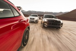 2015-sporty-suv-front-end-in-motion