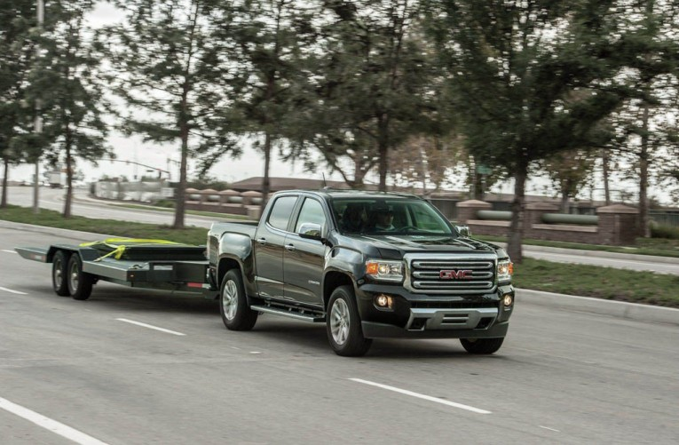 2015-gmc-canyon-towing-trailer