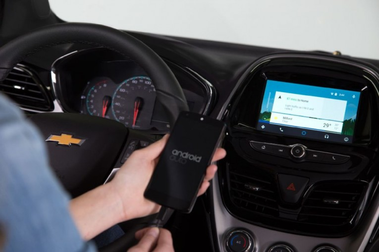 2016-chevrolet-spark-interior-android-auto